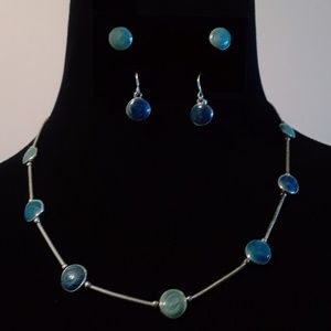 Jewelry - GORGEOUS Triple Colored Necklace & Earrings Set